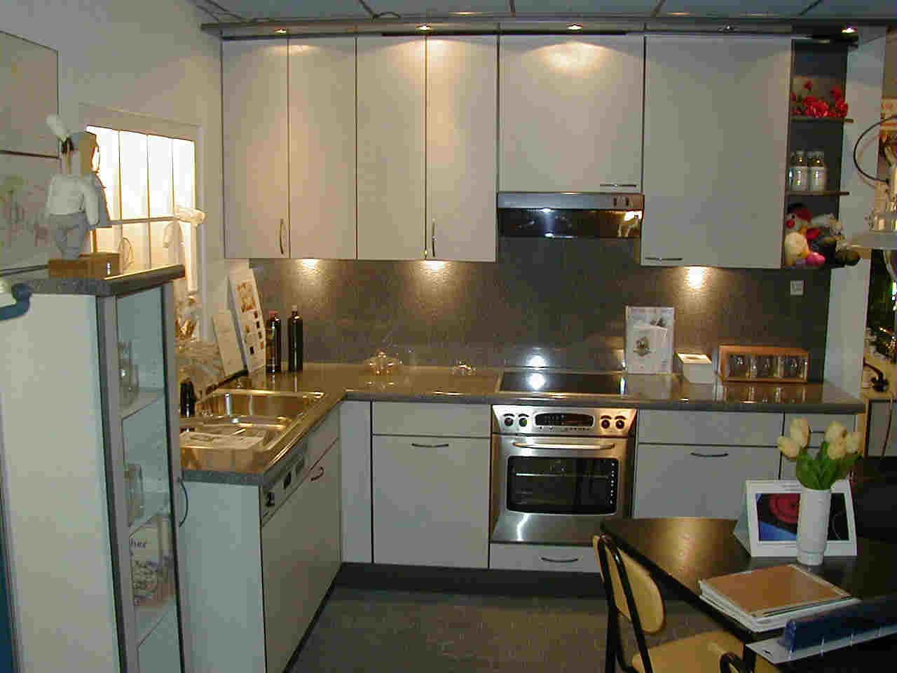 k chenideen k chen abverkauf k chen abverkauf gebraucht k chen musterkuechen. Black Bedroom Furniture Sets. Home Design Ideas